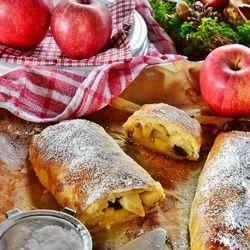Köstlicher Apfelstrudel ©Rita E. (Pixabay)